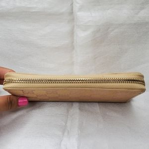 Gucci Bags - Authentic Gucci Zip Wallet